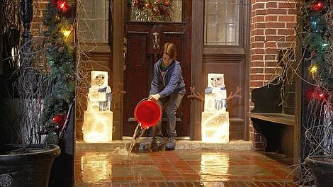 Finn sam w domu - świąteczny skok