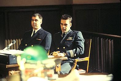 JAG - Wojskowe Biuro Śledcze 2: Święta trójca (6)