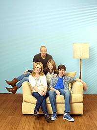 Melissa i Joey: Boy Toys 'R' Us (4)