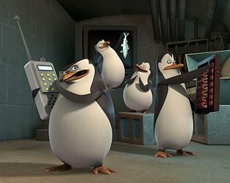 Pingwiny z Madagaskaru 2: Przyjaciel w pudełku/Borsucza siła (12)