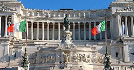 Poznaj uroki Rzymu i Neapolu